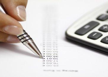 Верховный суд РФ запретил кредитным учреждениям списывать с клиентов плату без уведомления